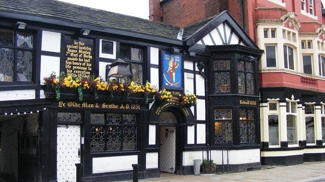 Ye Olde Man & Scythe v Boltonu je jedna z nejstarších hospod na světě
