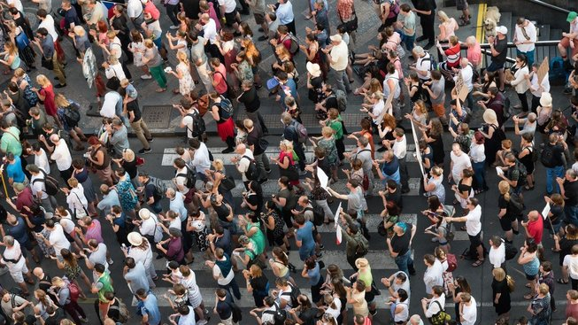 Minulý týden demonstranti zaplnili Václavské náměstí, teď se protestovalo ve stovkách dalších měst a obcí v Česku