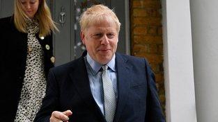 Boris Johnson v prvním kole drtivě zvítězil