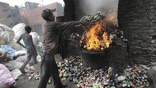 Jen málo z dovezených odpadků zabbalíni nezrecyklují