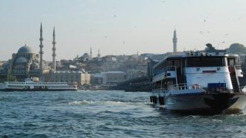 Erdogan přišel o Istanbul, na své straně má ale justici a proti opozici neváhá použít násilí