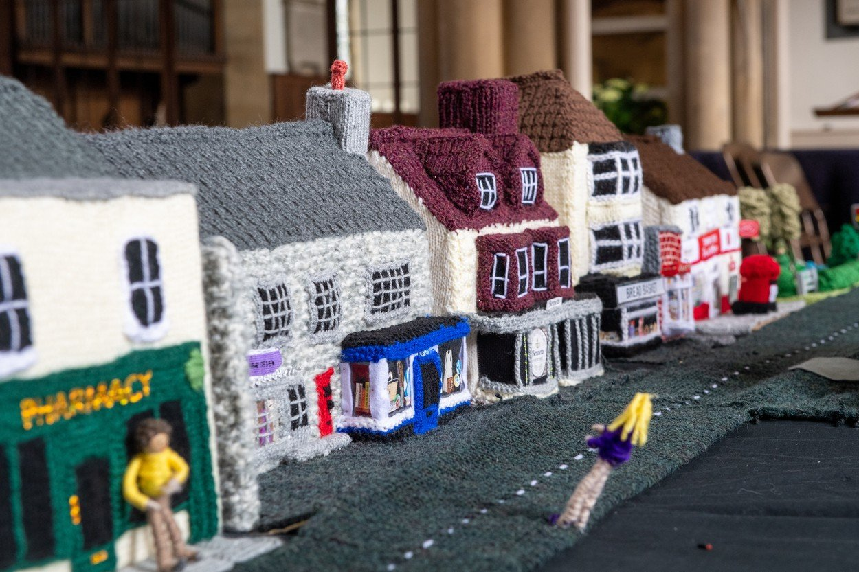 Pletený model vesnice