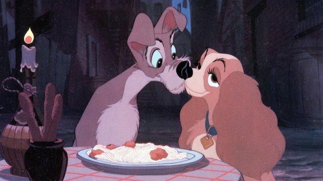 Nestárnoucí romantika nad talířem špaget