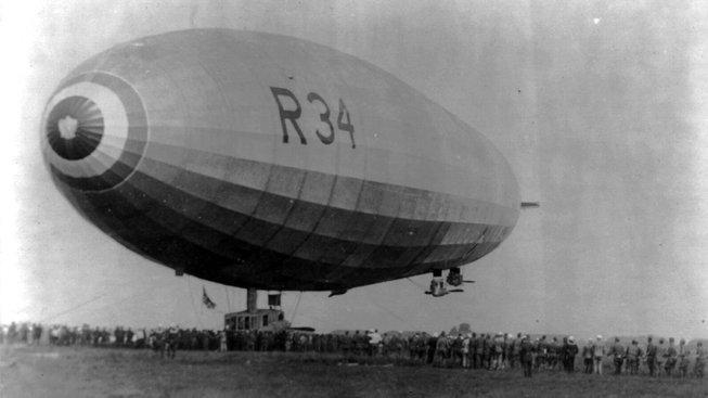 Vzducholoď R34 během svého pobytu v Mineole na Long Islandu