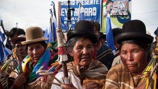 Buřinky jsou neodmyslitelným módním doplňkem indiánských žen v Bolívii