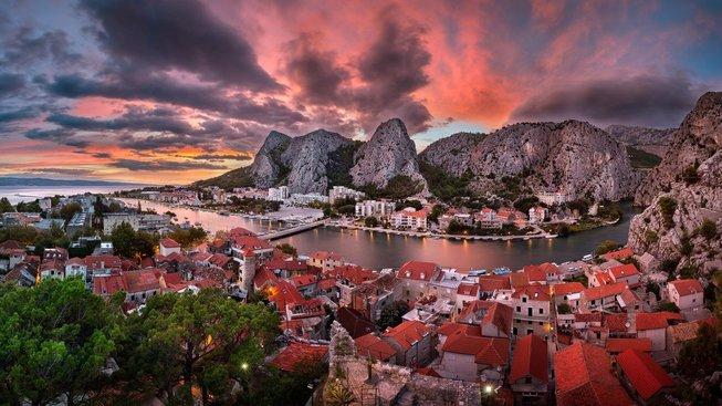 Západ slunce na řekou Cetina