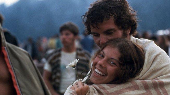Peace, Love, Music. Tři klíčová slova, která pořadatelé vybrali pro festival ve Woodstocku. Trefili to