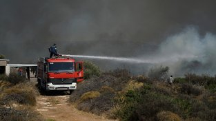 Řecko sužují desítky požárů