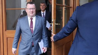 Exministr Staněk měl v posledním dnu své funkce napilno