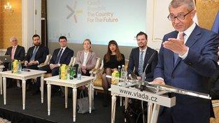 Premiér Andrej Babiš na setkání s českými velvyslanci