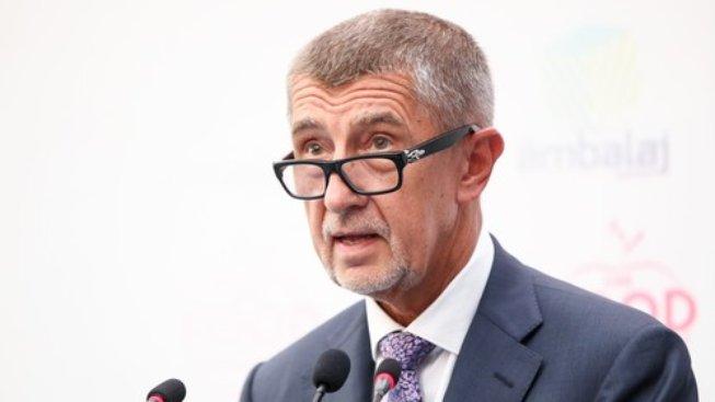 Premiér Andrej Babiš se musí omluvit