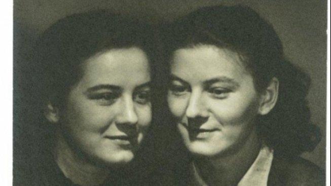 Uplynulo století od narození sester - fotografek
