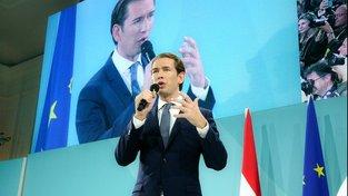 Sebastian Kurz během nedělních volebních oslav