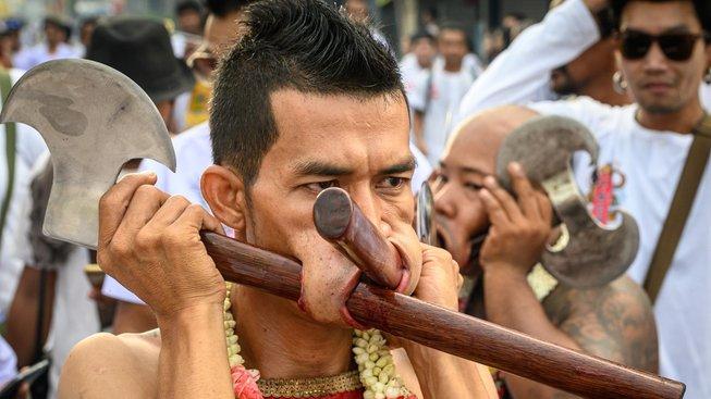 Thajci jsou v sebemrzačení velmi nápadití