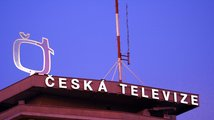 V šiku proti České televizi: komunisti, Okamura, Zeman i noví radní