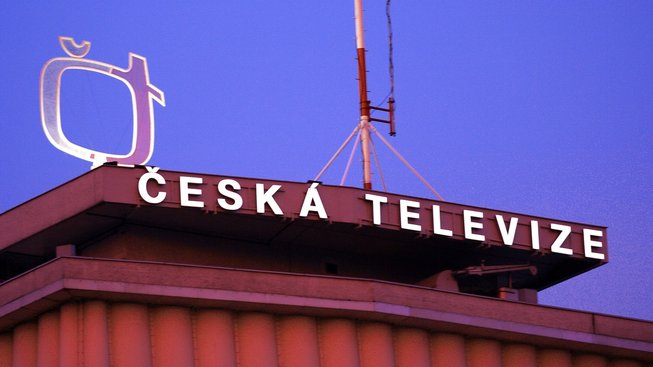 Na kritickém hodnocení práce novinářů, včetně těch z České televize, není samozřejmě nic špatného