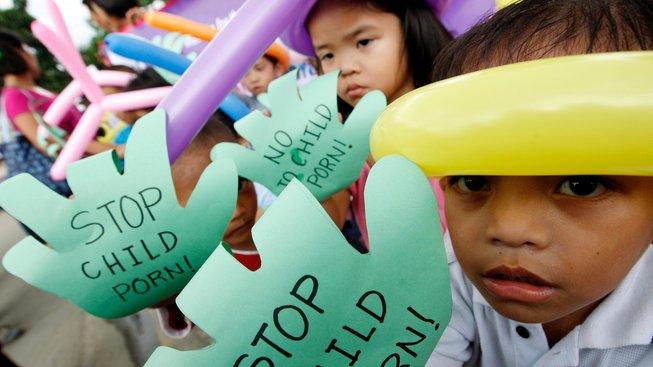 """""""Stop dětské pornografii"""". Protesty proti dětské pornografii na Filipínách v roce 2008"""