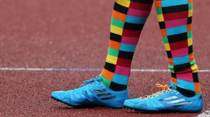Klasickým ponožkám odzvonilo, i u nás frčí barvy a proužky