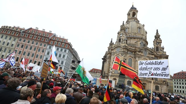 Demonstrace Pegidy v Drážďanech v roce 2017
