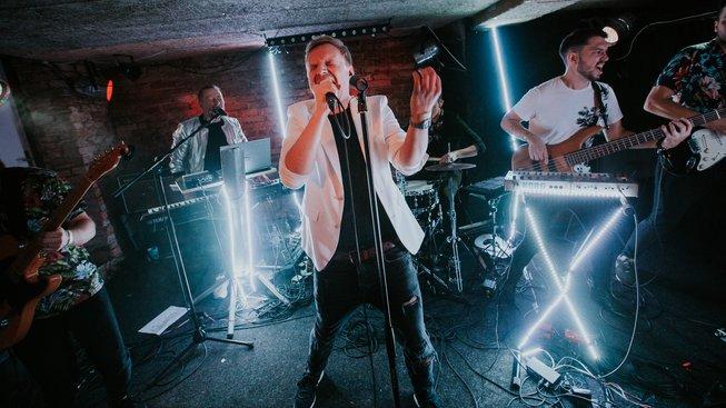 """Megaphone mění zvuk i styl a pokřtil indie-popové album """"In Time"""""""