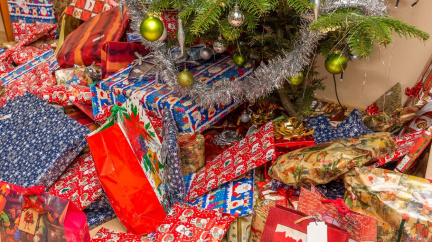Nepřehánějte to s vánočními dárky pro děti: Všeho moc škodí