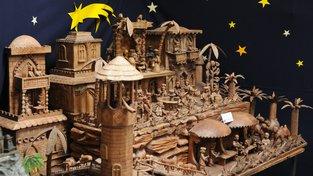 Josef Kleinwächter má ve své sbírce na dvě stovky betlémů