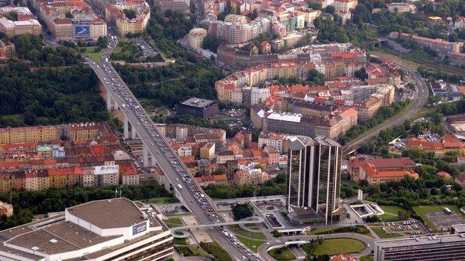 Letecký pohled na Nuselské údolí