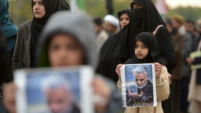Demonstrace proti zabití Kásema Solejmáního