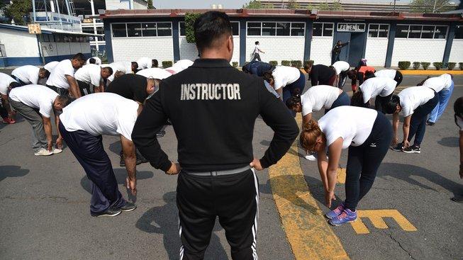 Mexická policie nemá zrovna reprezentativní vzhled