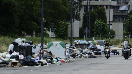 Vidět a zemřít: Zbaví se Neapol mafie a odpadků?