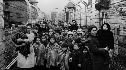 Památka obětí holocaustu: Před 75 lety osvobodila Rudá armáda Osvětim