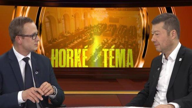 Předseda hnutí SPD Tomio Okamura v rozhovoru pro Parlamentní listy (vlevo zástupce šéfredaktora PL Radim Panenka)