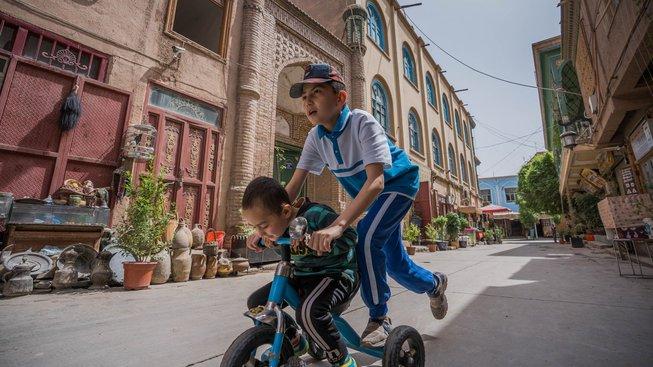 """Čínský stát se pokouší vrátit regionu zdání jakési """"normality"""""""