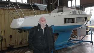 Richard Konkolski se svou lodí Niké