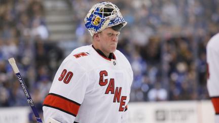 Senzace v NHL: Rolbař zaskakoval za brankáře a vychytal svůj vlastní tým