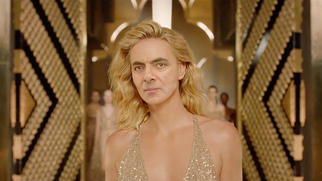 """Deepfake video, které umístilo tvář """"Mr. Beana"""" na tělo herečky Charlize Theron"""