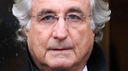 Největší finanční podvodník historie umírá ve vězení