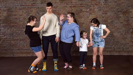 Rozdílné ponožky na pomoc lidem s Downovým syndromem