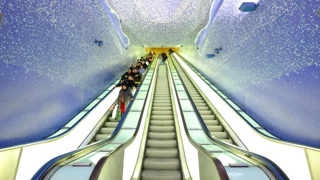 Eskalátory ve stanici Toledo neapolského metra