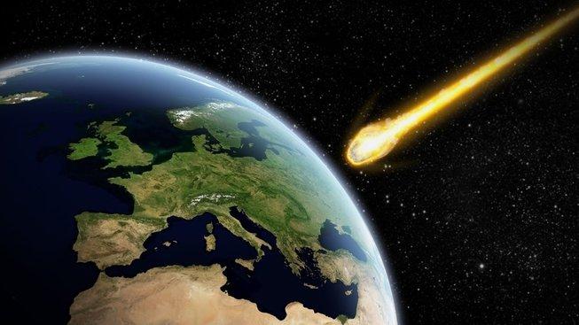 profimedia-0168542005 kometa blížící se z Zemi