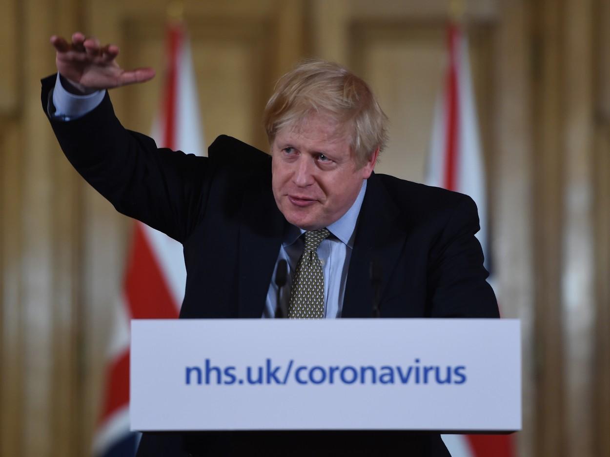Slavní nakažení koronavirem