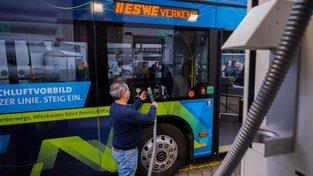 Slavnostní otevření vodíkové čerpací stanice ve Wiesbadenu