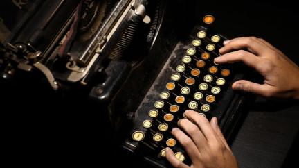 Proč nejsou klávesy řazené podle abecedy