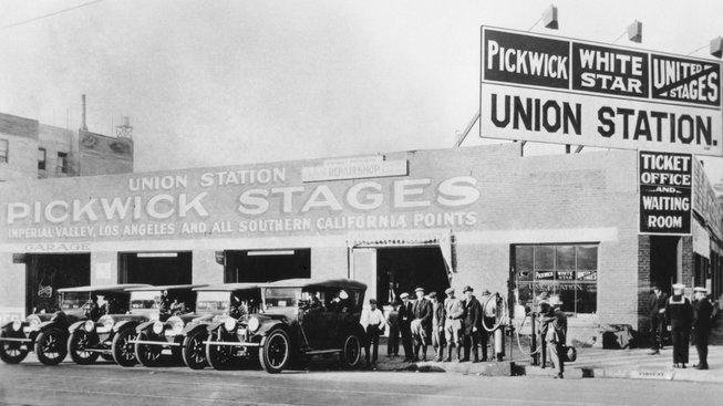 Autobusové nádraží v roce 1920