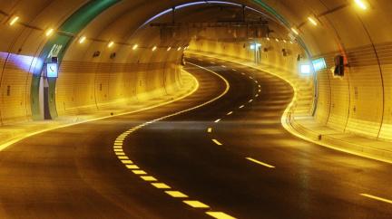 Proč nejsou tunely rovné