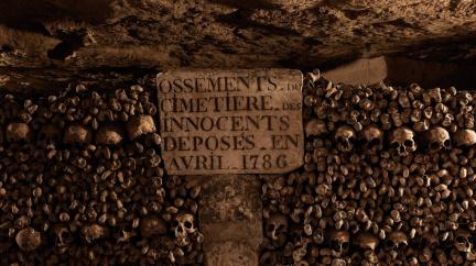 Největší kostnice na světě: Kolik lidí je pohřbeno v pařížských katakombách?