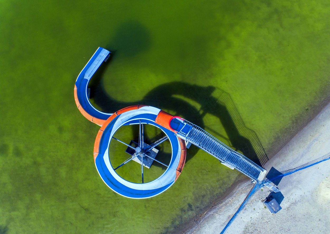 Koronténa z dronu