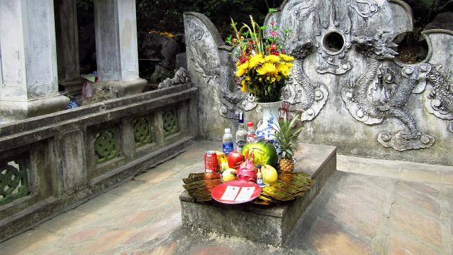 Hrobka císaře Dinh Tien Hoang_Hoa Lu