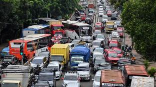 Dopravní zácpa v indonéské Jakartě