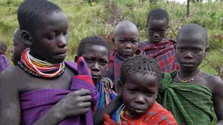 Děti ugandského kmene Iků